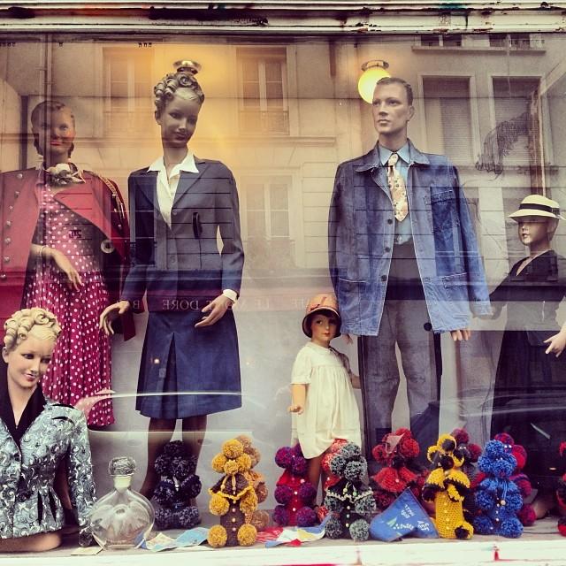 Casablanca Paris, boutique vintage et rétro, hommes femmes enfants 7d7bf9af1077